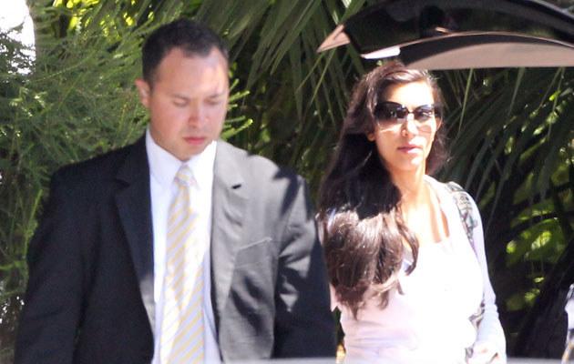 Kim Kardashian ze świeżo poślubionym Krisem  /Splashnews