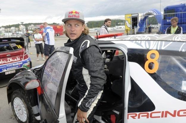Kimi Raikkonen zastąpi Kubicę /AFP