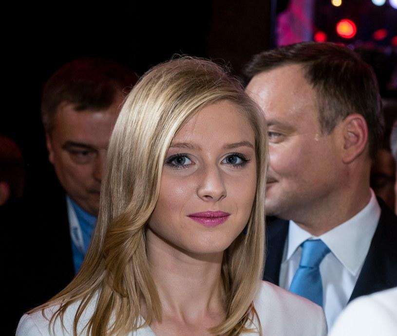 Kinga Duda angażowała się w kampanię wyborczą swojego taty. Po wygranych wyborach zdecydowała się zostać w Krakowie /East News