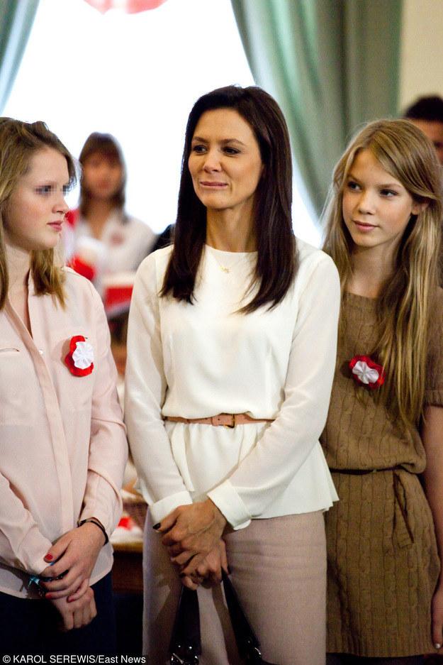 Kinga Rusin z córkami Polą i Igą /East News