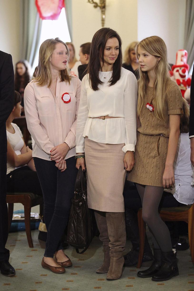 Kinga Rusin z córkami: Polą (po lewej) i Igą (po prawej) /Diana Domin /East News