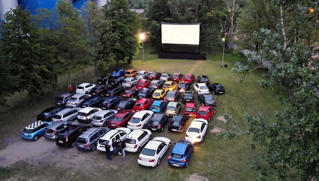 Kino samochodowe w Sosnowcu / Andrzej Grygiel    /PAP