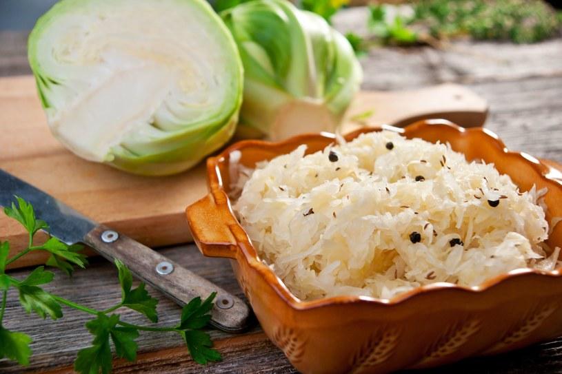 Kiszona kapusta jest świetnym źródłem probiotyków /123RF/PICSEL