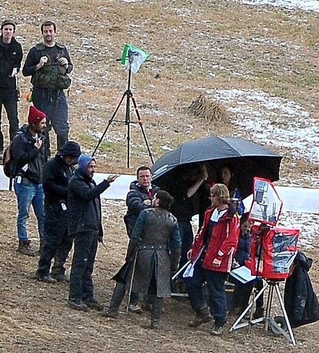 Kit Harington na planie 6. sezonu w Belfaście /internet