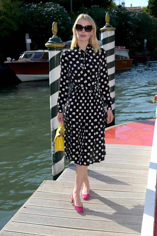 Kitty Spencer zachwyciła przepiękną sukienką w grochy podczas pokazu marki Dolce&Gabbana /Alberto Terenghi / IPA /Splashnews/Eastnews