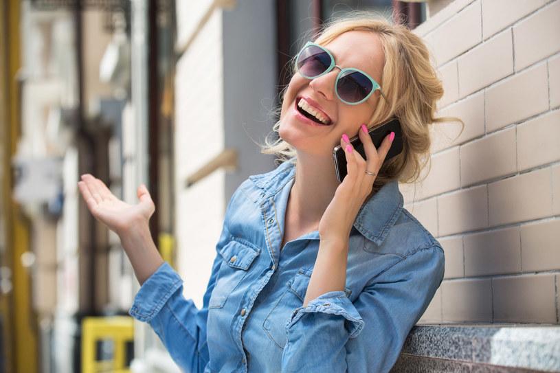 Kłamiemy średnio cztery razy dziennie. Najczęściej przez telefon. Rzadziej w mailach /123RF/PICSEL