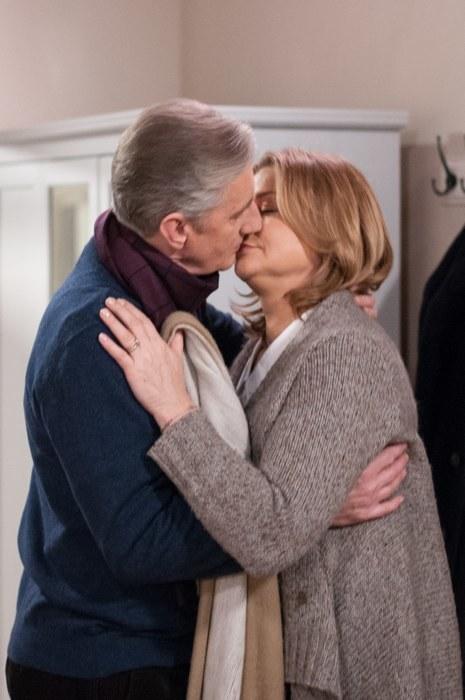 """""""Klan"""": Grażynka i Poldek przyłapani na pocałunkach /Agencja W. Impact"""