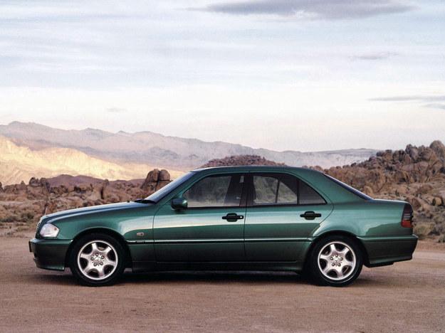 Klasa C W202: miała silnik CDI jako pierwsza w gamie, było to w 1997 roku. /Mercedes