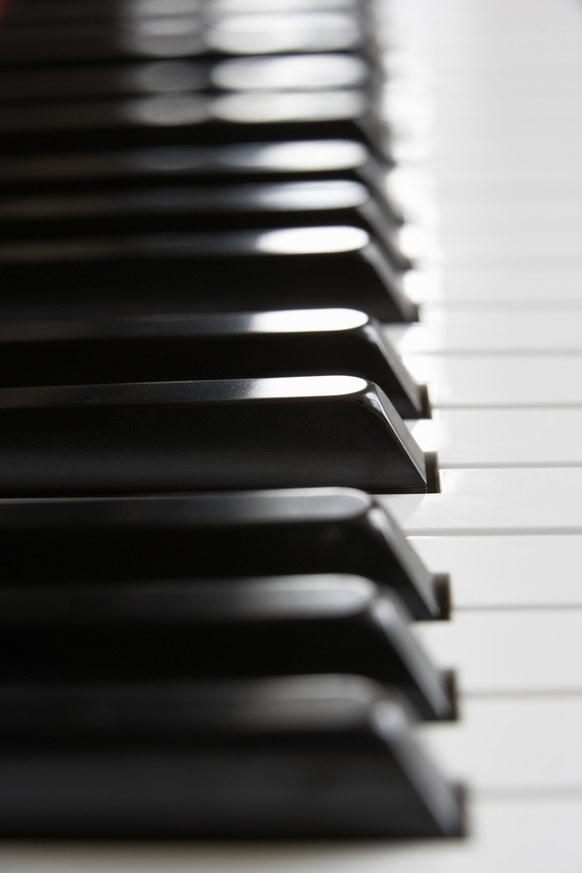 klawisze fortepianu /© Photogenica