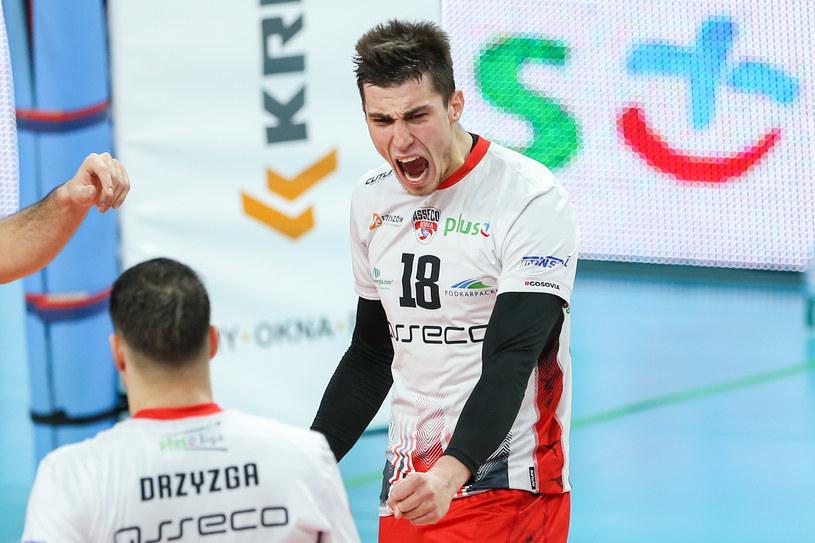 Klemen Cebulj cieszy się po zdobyciu kolejnego punktu. Asseco Resovia znów zwycięska / MACIEJ GOCLON / FOTONEWS / NEWSPIX.PL /Newspix