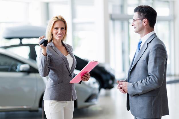 Klient też człowiek! Czyli o tym jak sprzedawać... /©123RF/PICSEL
