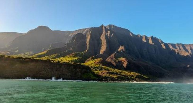 Klifowe wybrzeże Na Pali, zdj. ilustracyjne /East News