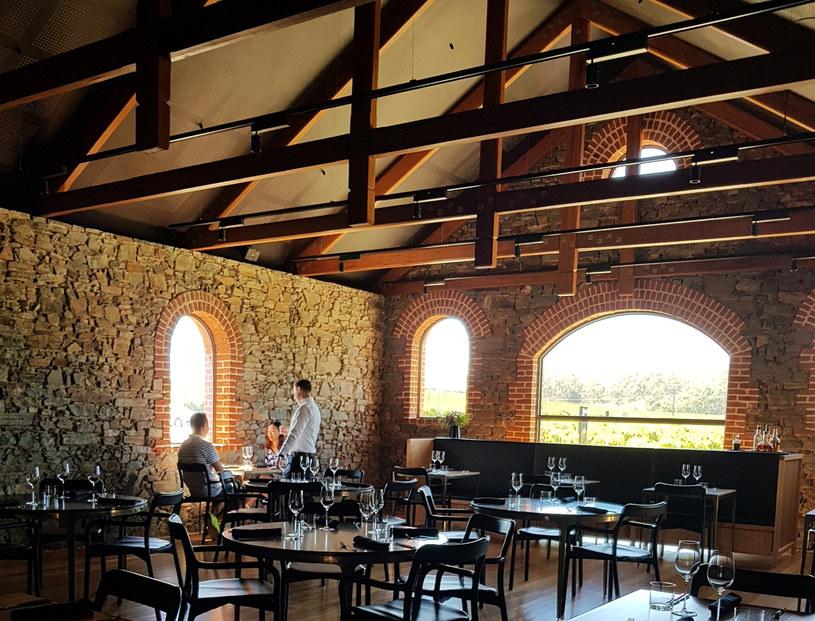Klimatyczne wnętrze restauracji St Hugo /INTERIA.PL