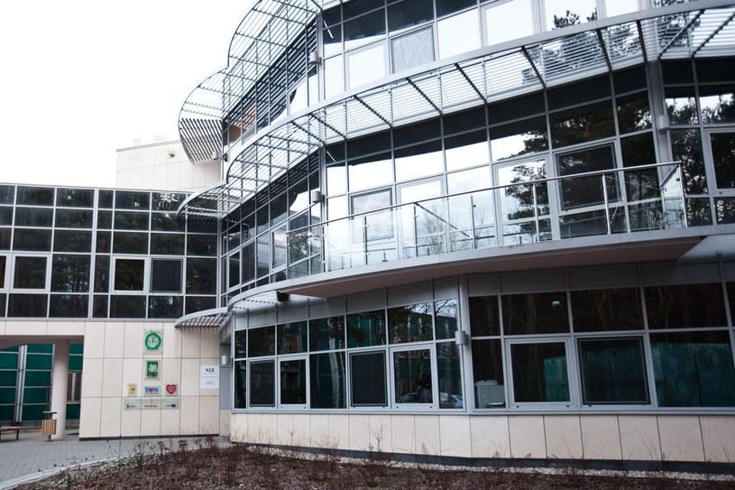 Klinika BUDZIK została uruchomiona w lipcu 2013 roku jako pierwszy w Polsce wzorcowy szpital dla dzieci po ciężkich urazach mózgu. /KAROL SEREWIS /East News