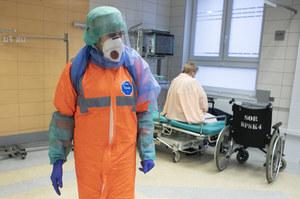 Kłopot z kierowaniem lekarzy do walki z pandemią