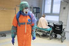 Kłopot z kierowaniem lekarzy do walki z pandemią  Kłopot z kierowaniem lekarzy do walki z pandemią 000AL9JU02AAJTMN C307
