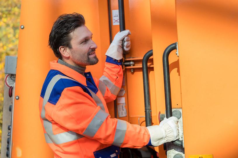 Kłopot ze śmieciami w czasie kwarantanny dotyczy środków bezpieczeństwa /123RF/PICSEL
