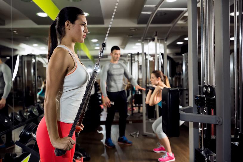 Kluby fitness i siłownie nadal zamknięte. /123RF/PICSEL