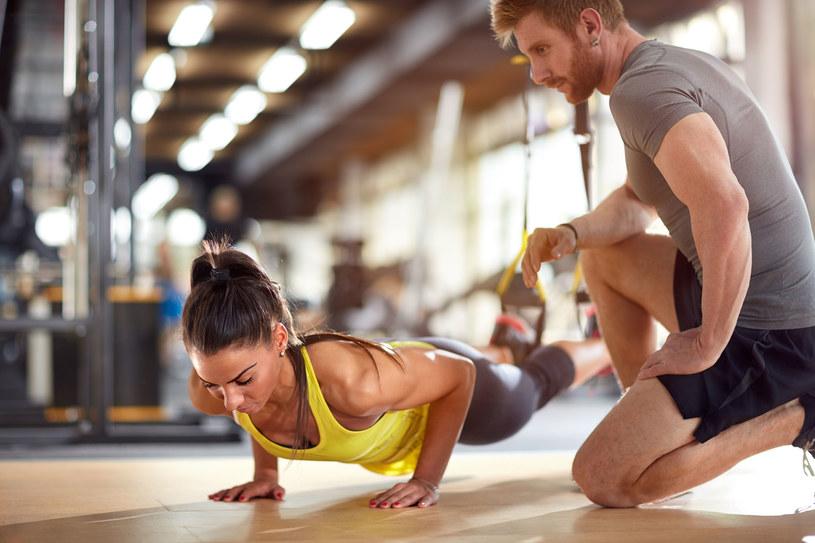 Kluby fitness powoli otwierają się dla ćwiczących /123RF/PICSEL