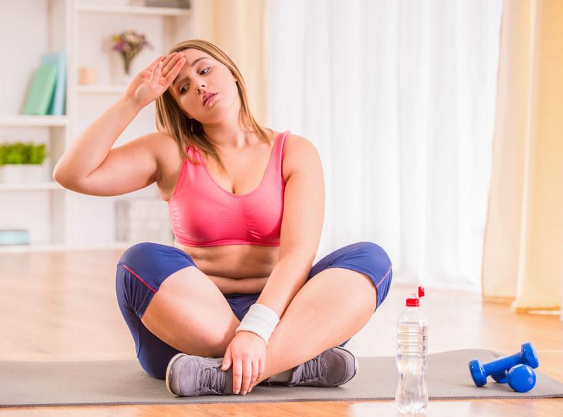Kluczem do osiągnięcia trwałego sukcesu w odchudzaniu jest połączenie zbilansowanej, niskokalorycznej diety ze starannie dobraną aktywnością fizyczną /123RF/PICSEL