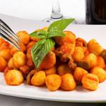 Kluski ziemniaczane z cebulką i curry