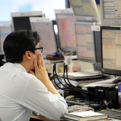 KNF jest za uwolnieniem od licencji zawodów: maklera i doradcy inwestycyjnego /INTERIA.PL/PAP