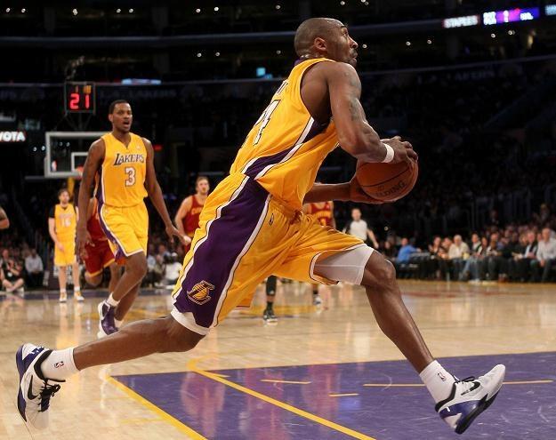 Kobe Bryant - lider Los Angeles Lakers /AFP