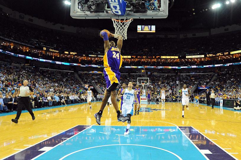 Kobe Bryant w widowiskowej akcji /AFP