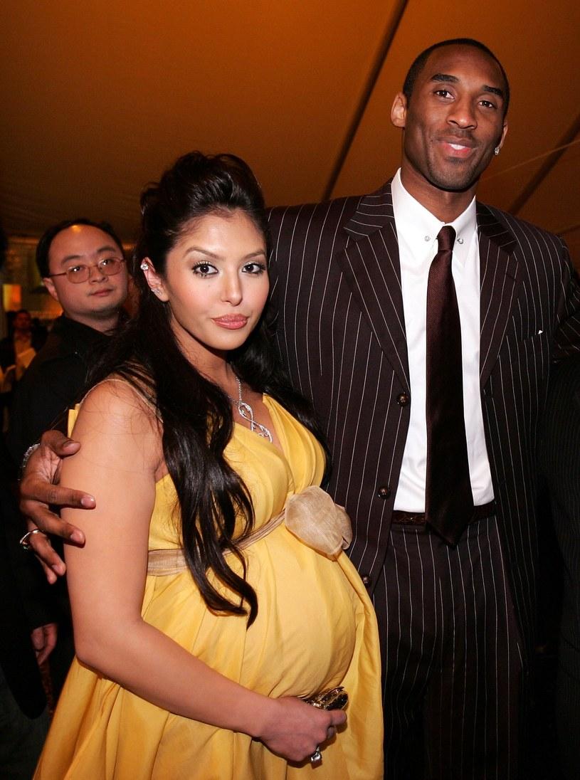 Kobe Bryant z żoną Vanessą starali się o piąte dziecko /Vince Bucci /Getty Images