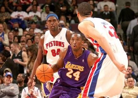 Kobe Bryant znów nie wygrał w Detroit Fot. D. Lippitt/Einstein/NBAE/Getty Images /