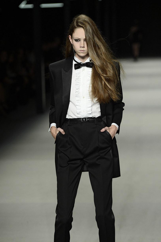 Kobieta AD 2013 według domu mody Yves Sain Laurent /Getty Images/Flash Press Media