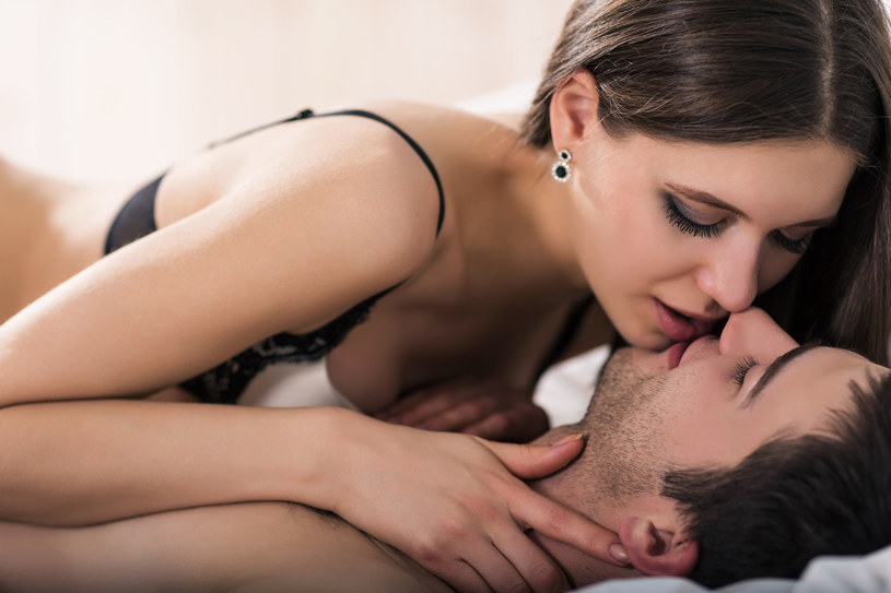 Kobieta może się podniecić, kiedy ktoś o nią zabiega /123RF/PICSEL