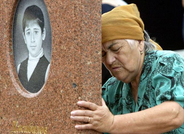 Kobieta opłakująca wnuka, który zginął w szkole w Biesłanie /KAZBEK BASAYEV  /East News