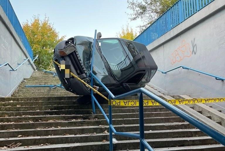 Kobieta tłumaczyła się policji zmęczeniem i brakiem umiejętności jazdy /KPP Olkusz /Policja