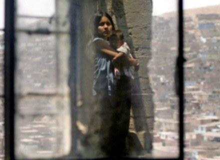 Kobieta w depresji nie potrafi cieszyć się z obecności dziecka... /AFP