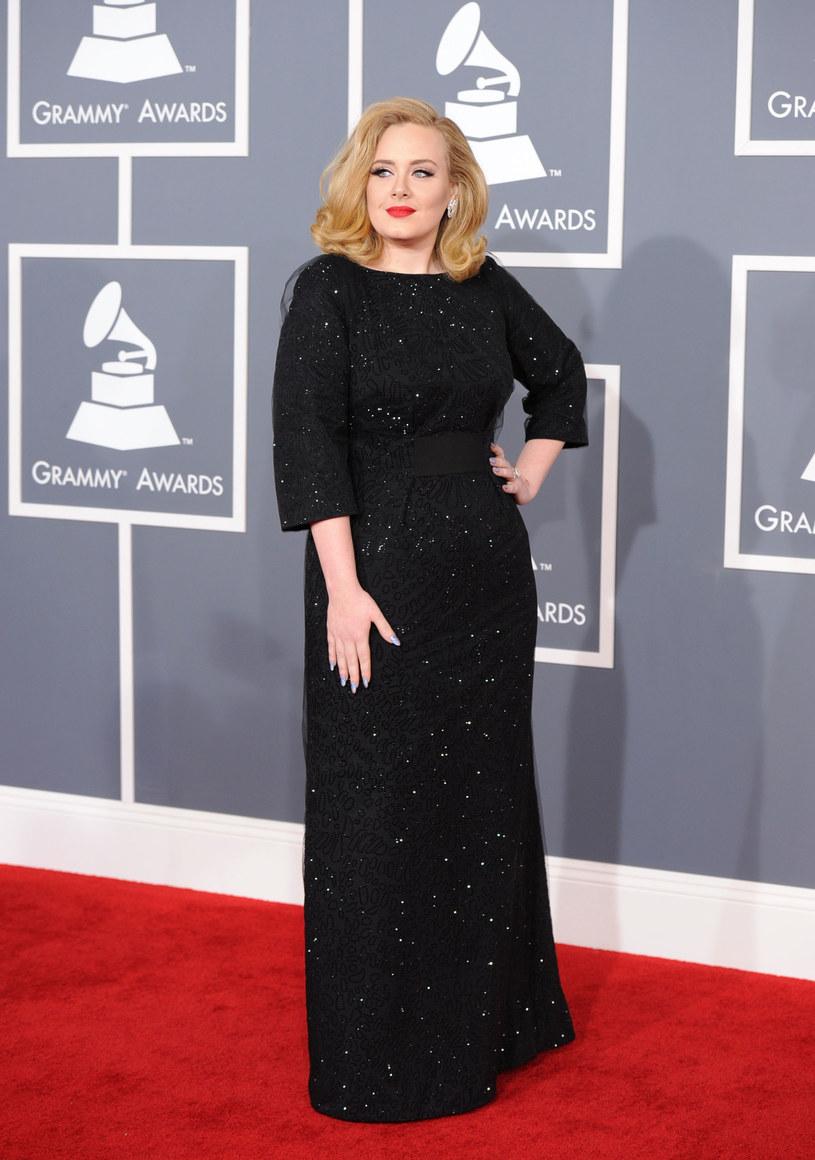 Kobieta z jej figurą naprawdę może wyglądać intrygująco /Getty Images