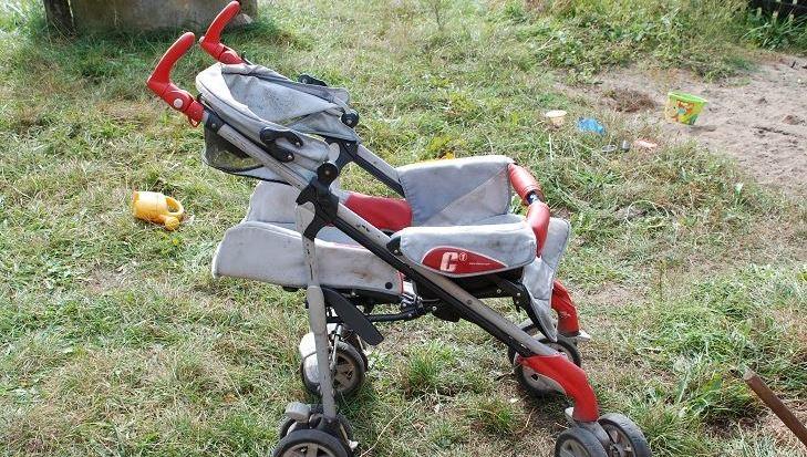 Kobieta zostawiła wózek z córką na skraju lasu /Policja Człuchów /Policja