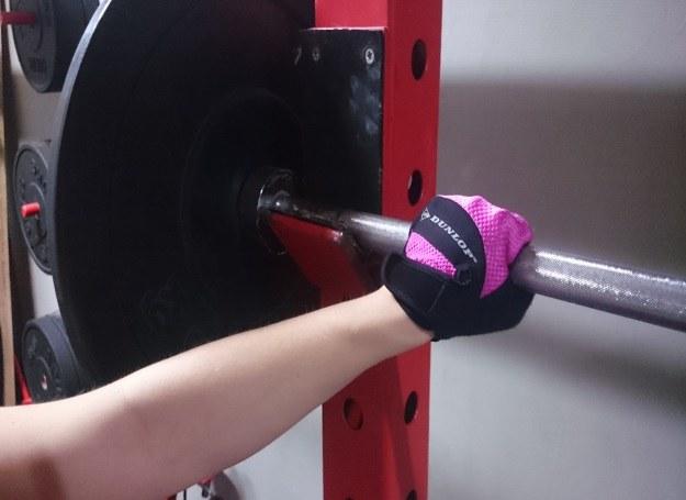 Kobiety coraz częściej stawiają na trening siłowy /INTERIA.PL