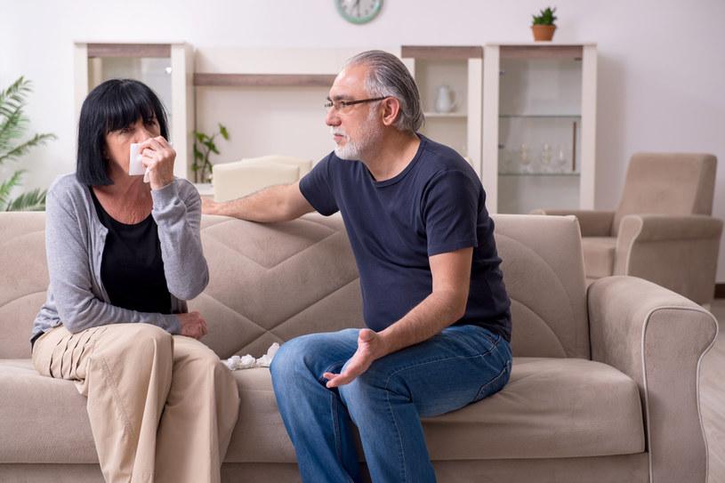 Kobiety czasem wybierają partnerów, którzy zachowają się toksycznie, jednak z różnych powodów boją się zareagować /123RF/PICSEL