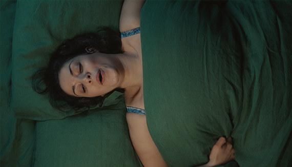 """Kobiety często wstydzą się mówić o swoich potrzebach. Zdjęcie pochodzi z kampanii marki Durex """"Nawilżanie jest seksi"""" /materiały prasowe"""