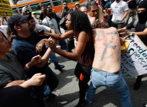 Kobiety często wyrażają swoje negatywne emocje krzykiem /Getty Images/Flash Press Media
