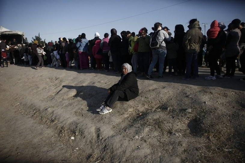 """""""Kobiety doświadczają przemocy na każdym etapie migracji"""" /KOSTAS TSIRONIS /PAP/EPA"""