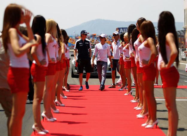 Kobiety ozdobą wyścigów /Getty Images/Flash Press Media