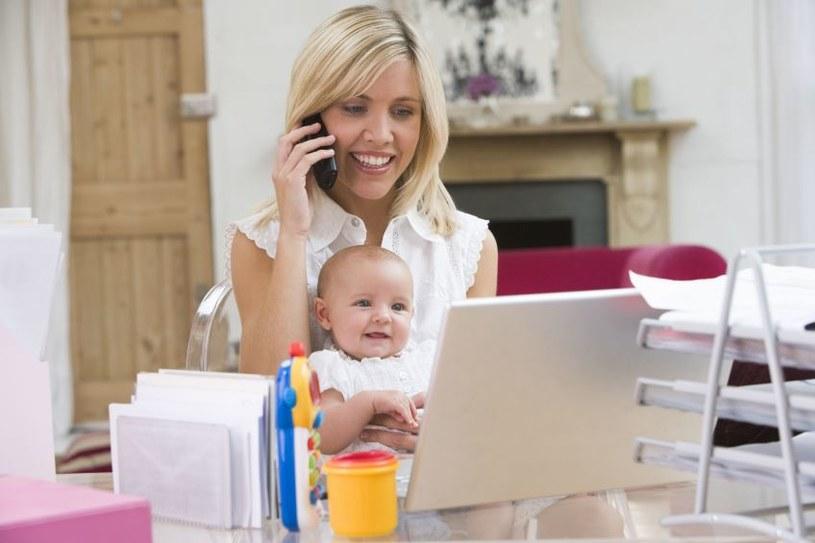 Kobiety prowadzące firmy po urodzeniu dziecka otrzymają zasiłek zależny od uśrednionej składki z całego roku /123RF/PICSEL
