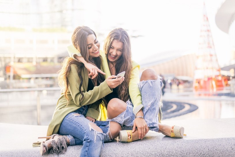 Kobiety są dziś z nowymi technologiami za pan brat /123RF/PICSEL