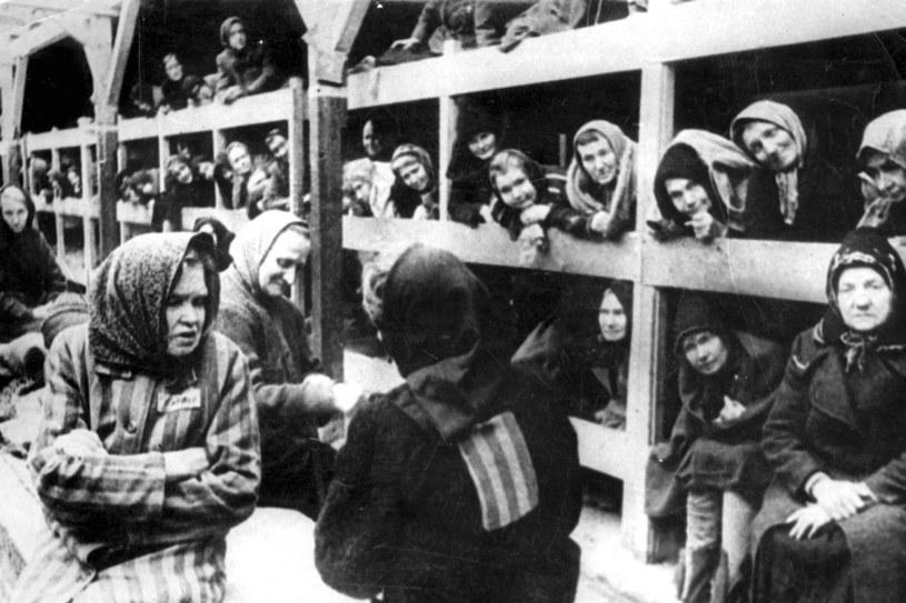 Kobiety w Auschwitz. Zdjęcie zrobione w styczniu 1945 roku w momencie wyzwolenia obozu /AFP