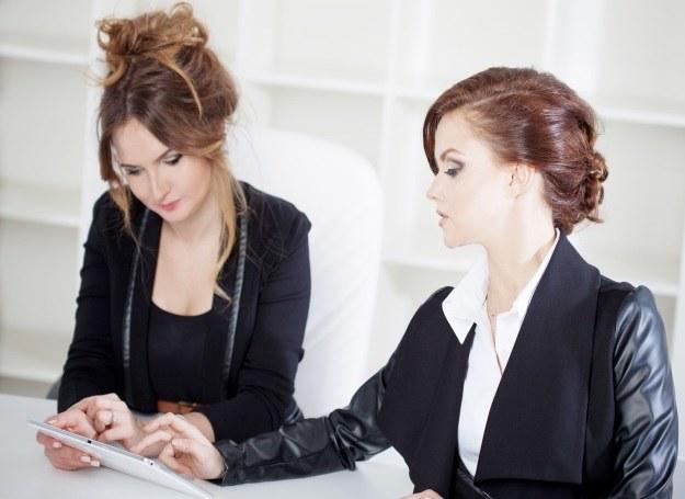"""Kobiety w biznesie radzą sobie coraz lepiej - już dawno przebiły przysłowiowy """"szklany sufit"""" /123RF/PICSEL"""