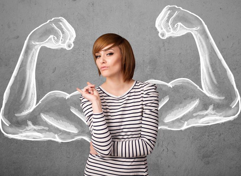 Kobiety wcale nie sa słabsze... /123RF/PICSEL