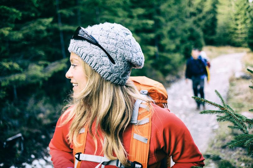 Kobiety zdecydowanie częściej niż mężczyźni odwiedzają góry /123RF/PICSEL