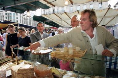 Koeljna po winie pasja Depardieu to jedzenie /AFP